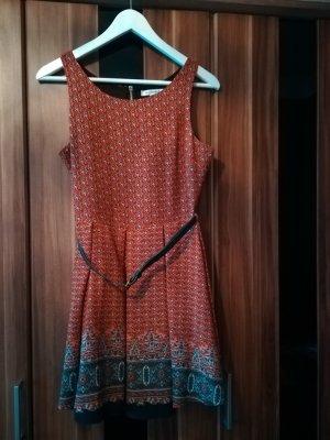 Rotes Sommerkleid von Glamorous