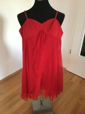 Rotes Sommerträgerkleid