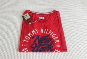 Rotes Tommy Hilfiger Tshirt mit Druck [42]