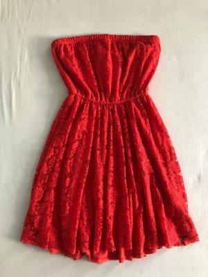 Rotes, trägerloses Hollister Kleid