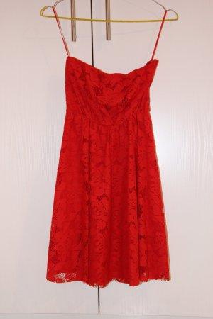 Rotes trägerloses Spitzenkleid Größe M von Zara