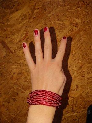 rotes Wickelarmband