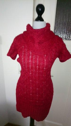 Robe en laine rouge