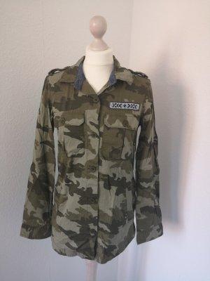 Roxy Camouflage Bluse Jacke Gr. M 38 Tarnfarben Tarnjacke