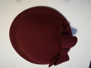 Royal Ascot Hut VINTAGE Fascinator Bordeaux dunkles Rot mit Schleife