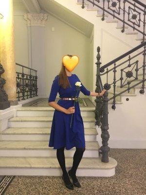 Royal blaues Asos Midi Kleid