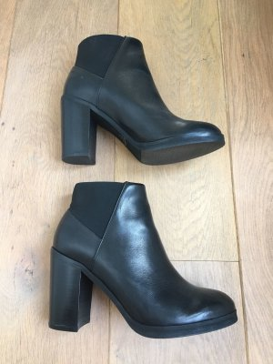 Royal Republic Ankle Boots in Chelsea Look ***sold out***