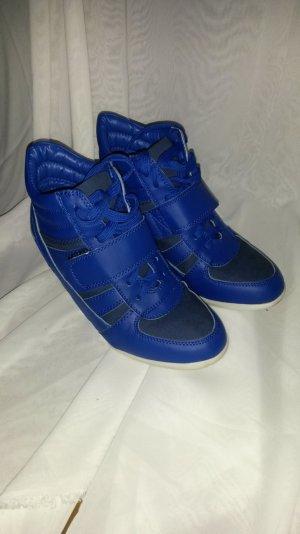 royalblaue Keilsneaker