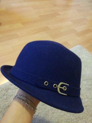 Royalblauer Hut  mit Silerschnalle