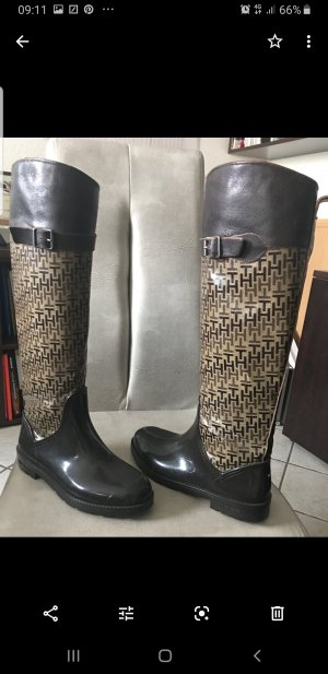 Rubber boots with leather details