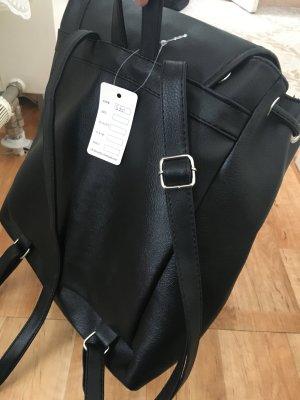 Rucksack in schwarz  Leder Imitat
