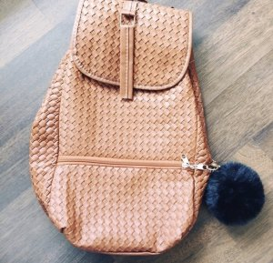 Rucksack mit Bommel aus Kunstleder