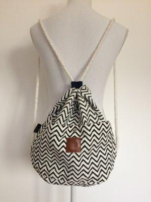Rucksack schwarz weiß gemustert aus Thailand