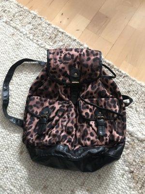 Rucksack von New Look mit Leopardenprint