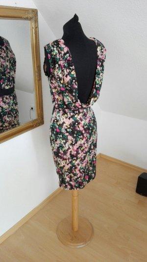 Rückenausschnitt Kleid nümph M neu