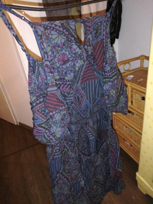 rückenfreies Flatter Kleid