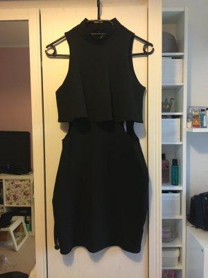 Rückenfreies Kleid mit Cutouts von Nelly in S