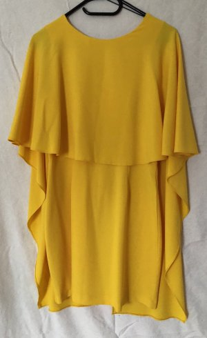 Rückenfreies Kleid mit Flügelärmel