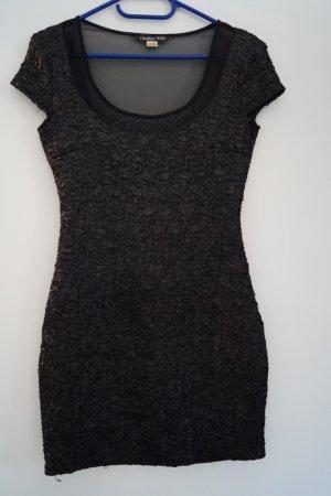 Rückenfreies Kleid von Bershka, schwarz, S