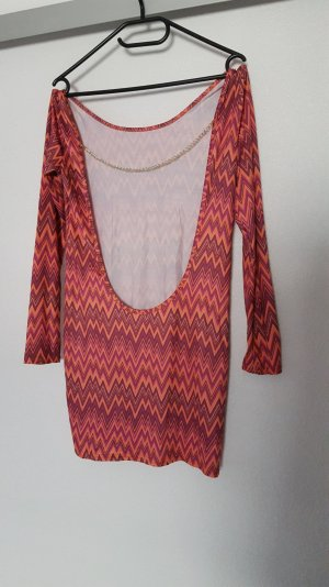 Rückenfreies kurzes Kleid