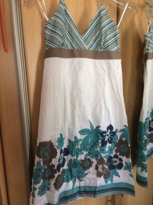 Rückenfreies Sommerkleid