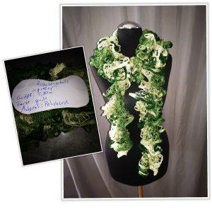 Écharpe en crochet vert