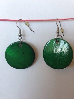 runde grüne Ohrhänger