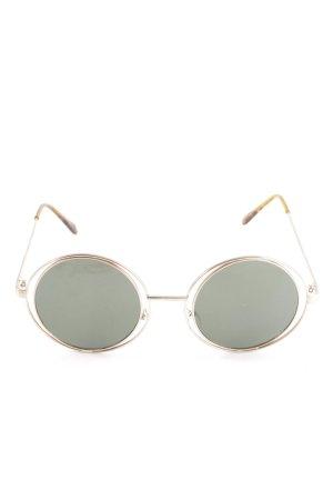 Round Sunglasses tortoise pattern casual look