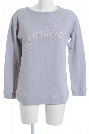 Rundhalspullover hellgrau-rosé Schriftzug gestickt Street-Fashion-Look