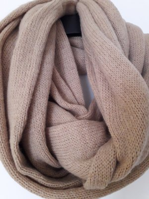 RUNDSCHAL aus Wolle in beige/sand/camel