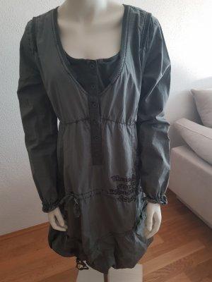 s.g.erhalten: Kleid der Firma Desigual Gr. 38/40