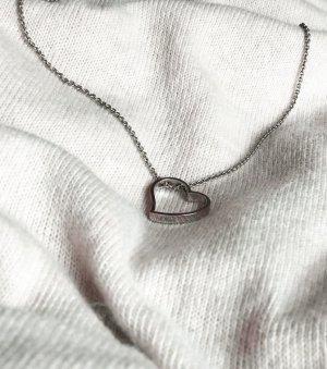 s.Oliver 825 Silber Halskette / Collier mit Herz-Anhänger