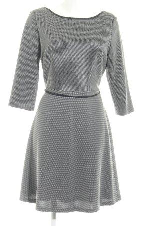 s.Oliver A-Linien Kleid schwarz-weiß Karomuster klassischer Stil