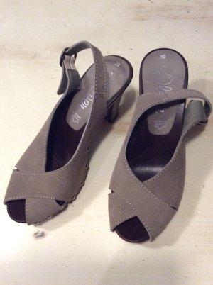 s.Oliver Strapped High-Heeled Sandals grey brown