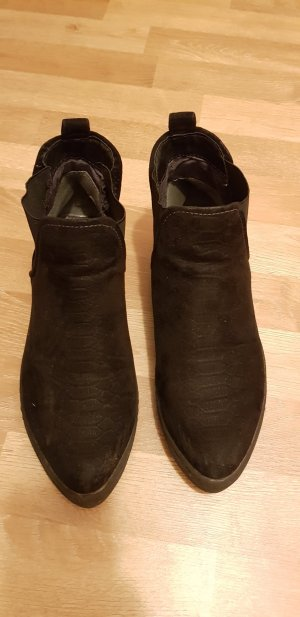 s.Oliver Boots black