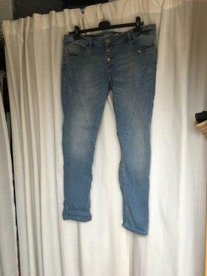 s.oliver jeans hellblau geknöpft