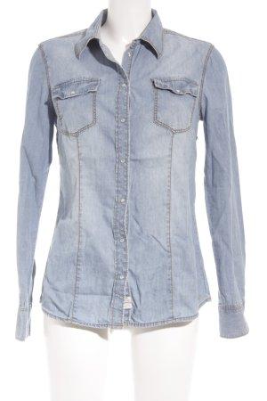 s.Oliver Jeanshemd hellblau Street-Fashion-Look