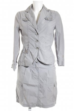 s.Oliver Traje para mujer gris claro look casual