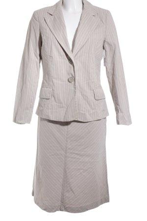 s.Oliver Traje para mujer blanco-beige estampado a rayas look casual
