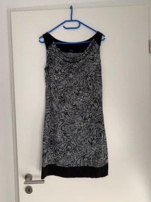 s.Oliver Selection Kleid schwarz weiß Gr. 38 wie neu