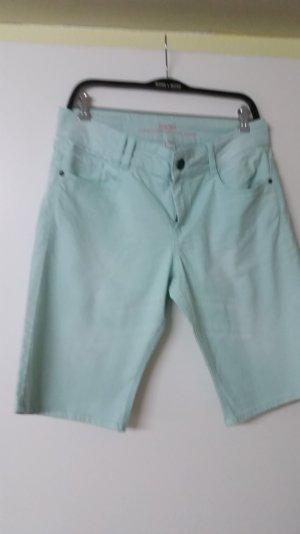 s.oliver shorts gr. 40 lindgrün