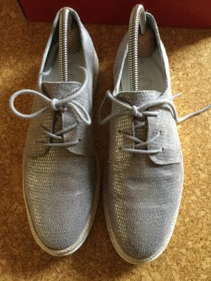s. Oliver Sneaker in silberfarben, sehr wenig getragen