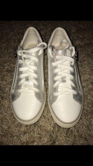s. Oliver Sneaker in weiß/silber