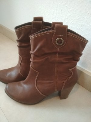 s.Oliver Western Booties cognac-coloured synthetic