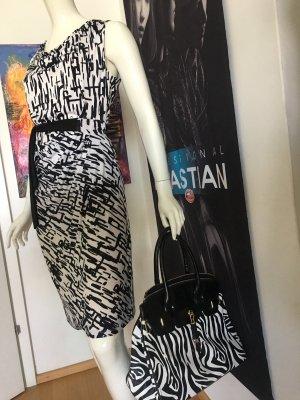 Sa-Hara Designer Kleid London Black and white Giuliano Handtasche dazu