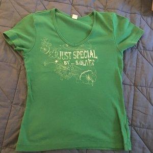 Saftig grünes Shirt von S. Oliver mit Blümchen-Print
