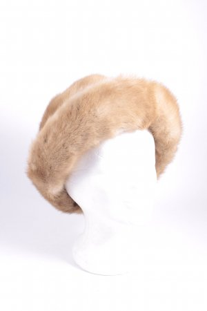 Saga Mink Sombrero de piel camel estilo clásico