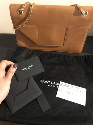 Saint Laurent Modell Betty Tasche, in braunem Leder.
