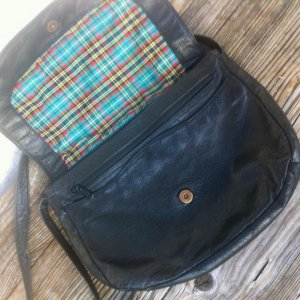 Satchel black-green leather