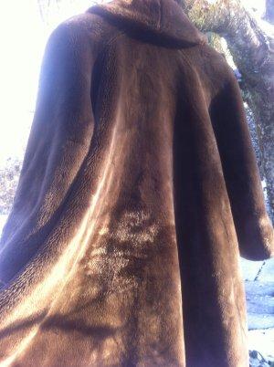 Cappotto in eco pelliccia cognac